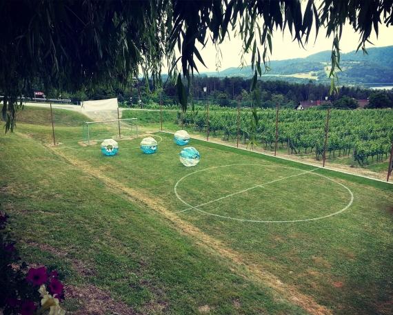 Bubble Soccer in der Arena spielen